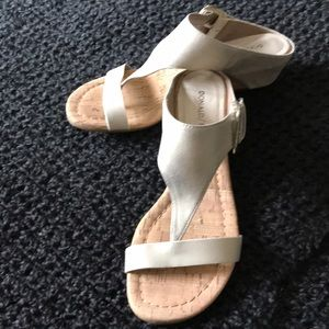 Donald Pliner Dylan Wedge Sandal-New Without Tags